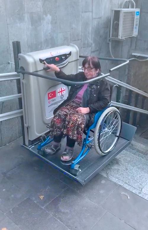 katlanabilir yatay tip engelli asansörü